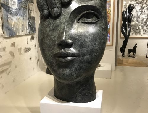Main Visage Bronze